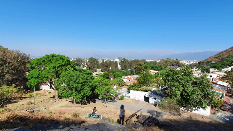 Parque los Lapachos – Bosque de Poesía Walter Adet