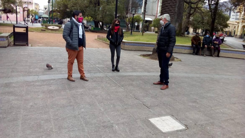El Gobierno de la Ciudad en un trabajo conjunto con la COPAUS emplazó en distintos puntos de la ciudad baldosas de cerámica con código QR.