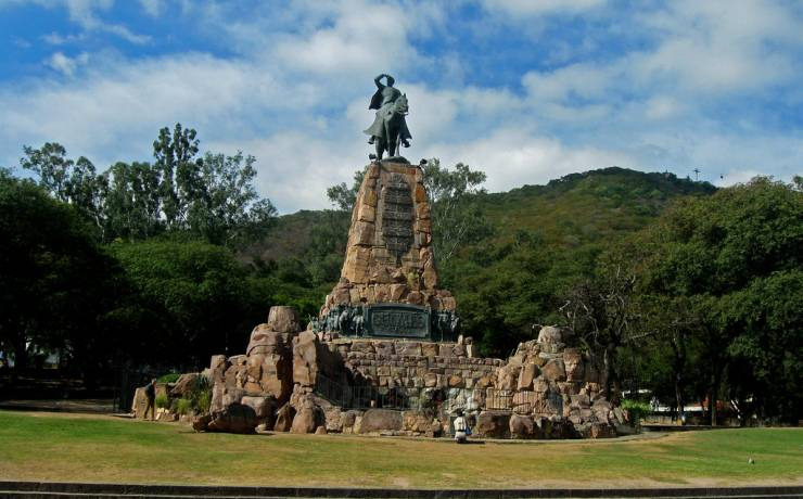 Monumento al Gral. Martín Miguel de Güemes